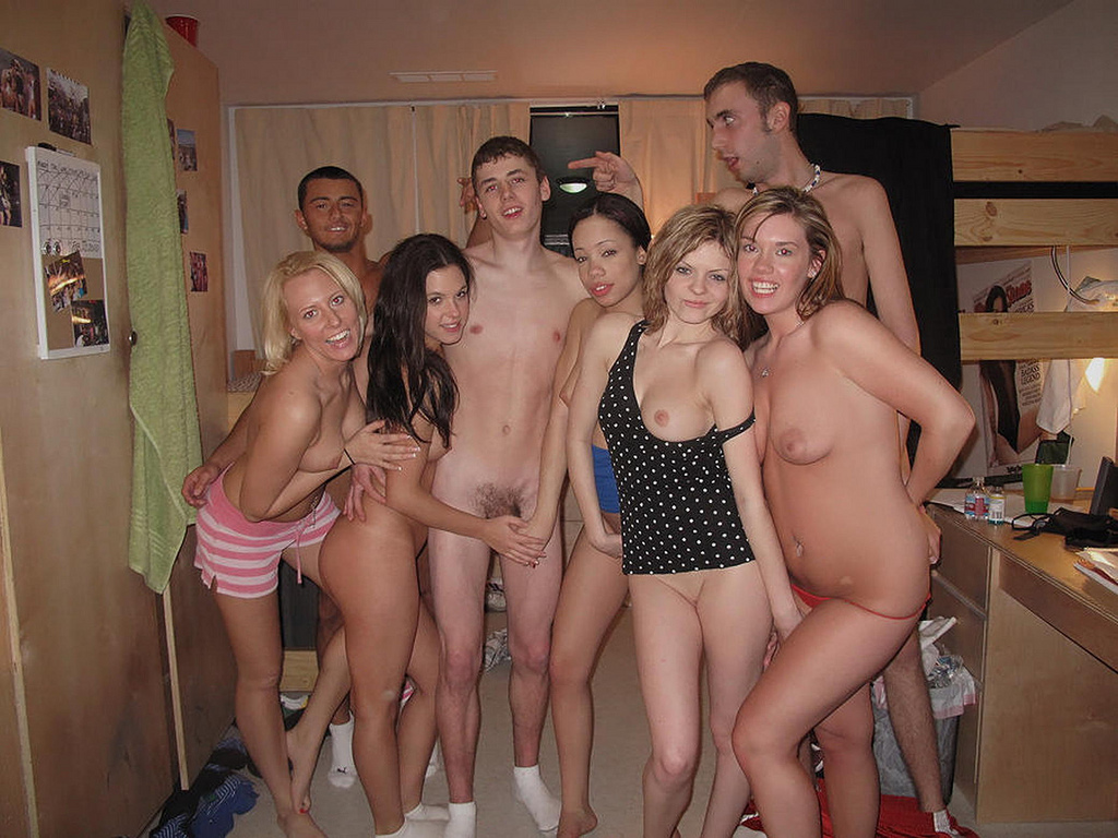 college naked sex parties