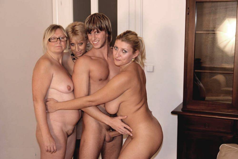 5576750662 b019591f6d b Nudist Family Erection