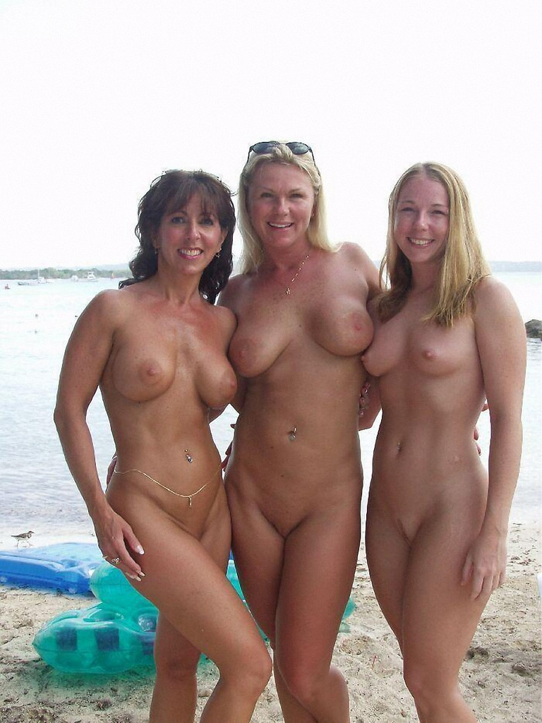 Be Ce D B Mom Daughter Nude Beach