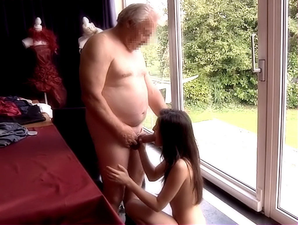 blonde hotties want to fuck guys now